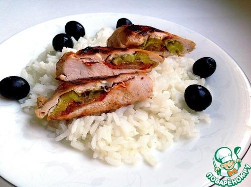 Рецепт с фото Жареная куриная грудка, фаршированная пореем и томатом #4