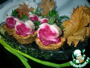 Рецепт Хлебные корзиночки с рулетиками из сельди и свеклы