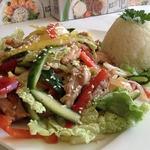 """Салат куриный с """"битыми"""" овощами"""