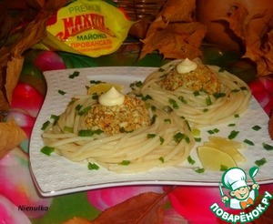 """Рецепт """"Гнезда"""" из спагетти с овсяно-мясной котлетой"""
