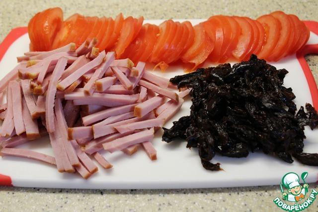 рецепт салата с черносливом и с ветчиной