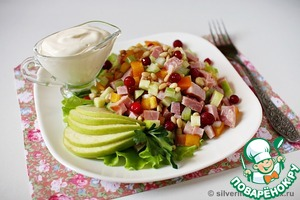 Рецепт Салат с ветчиной и яблоком