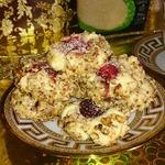Песочное печенье с грецким орехом и ягодами