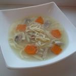 Детский геометрический суп с яичной лапшой
