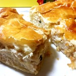 Слоеный пирог с курицей и картофелем