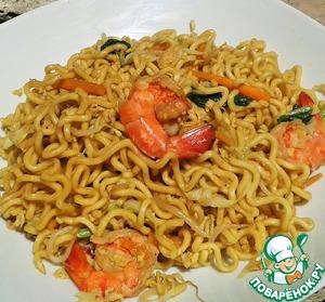 Рецепт Жареная яичная лапша с овощами и креветками (Mie goreng)