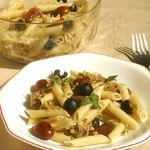 Салат из пасты с оливками