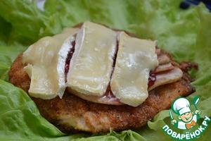 Рецепт Запеченная куриная грудка с грушей, брусникой и сыром камамбер
