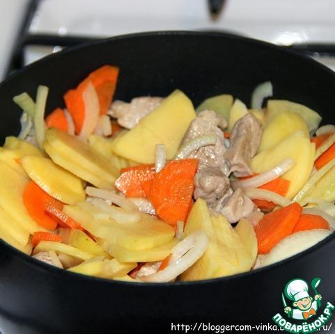 рецепт картофель лук морковь свинина сыр масло сливочное