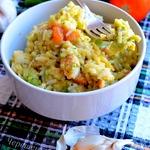 Рис с индейкой, брокколи и томатами в сырном соусе