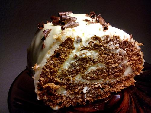 Шоколадный рулет с заварным кремом