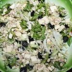Салат с курицей, виноградом и фетой