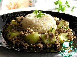 Рецепт Свинина с огурцами и коричневым рисом
