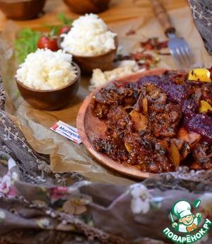 Рецепт Свинина с грибами и грушей в сливовом соусе