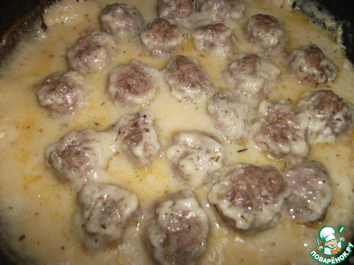 Тефтели в духовке с молочной подливкой пошаговый рецепт