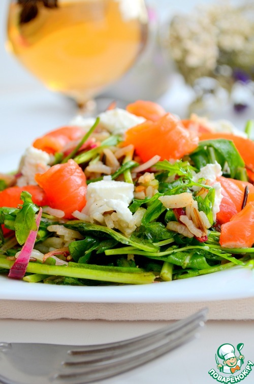 рукола с рыбой салат рецепт