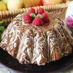 Кекс с финиками, кешью и шоколадной глазурью