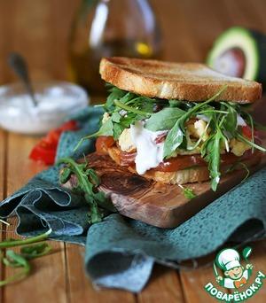 Рецепт Очень сытный сэндвич с омлетом и пикантным лососем домашнего посола