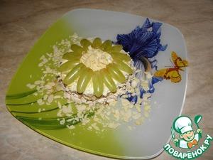 Рецепт Салат из куриного филе с виноградом и орехами