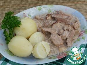 Рецепт Свинина с грибами в сливках + картофель на пару