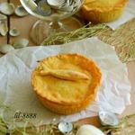 Пироги с креветками и рыбой