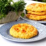 Кукурузно-картофельные лепешки с брынзой