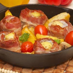 Рецепт Филе-миньон в беконе с перепелиным яйцом