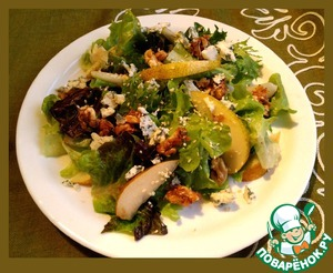 Рецепт Салат с грушей, сыром и орехами