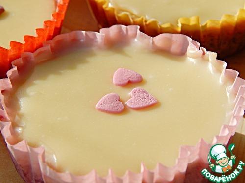 Десерт из сливового желе и белого шоколада