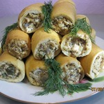 Куриный салат в хлебных стаканчиках