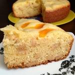 Абрикосовый творожный пирог с печеньем