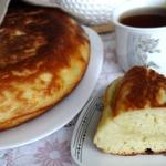 Жаренный пирог на кефире с сыром и луком