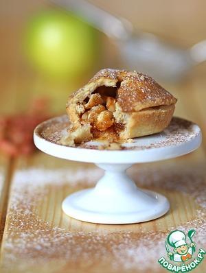 Рецепт Корзиночки с яблоками и арахисом в соленой карамели