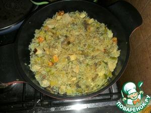 Рецепт Паэлья с курицей, грибами, цуккини и сыром