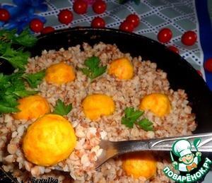 Рецепт Гречка на сковороде с рыбными шариками