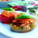 Перец фаршированный жареной курочкой с гречкой и черносливом