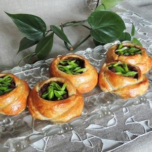 """Рецепт Расстегаи """"Розанчики"""" с фасолью и грибами"""