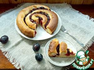 Рецепт Пирог-улитка со сливами и творогом