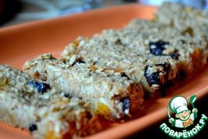 Рецепт Батончики-мюсли банановые с яблоком и сухофруктами