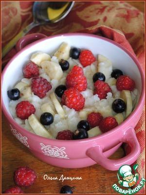 Рецепт Каша из рисовых хлопьев с ягодами