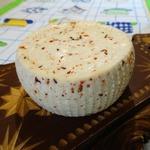 Домашний сыр с паприкой и тмином