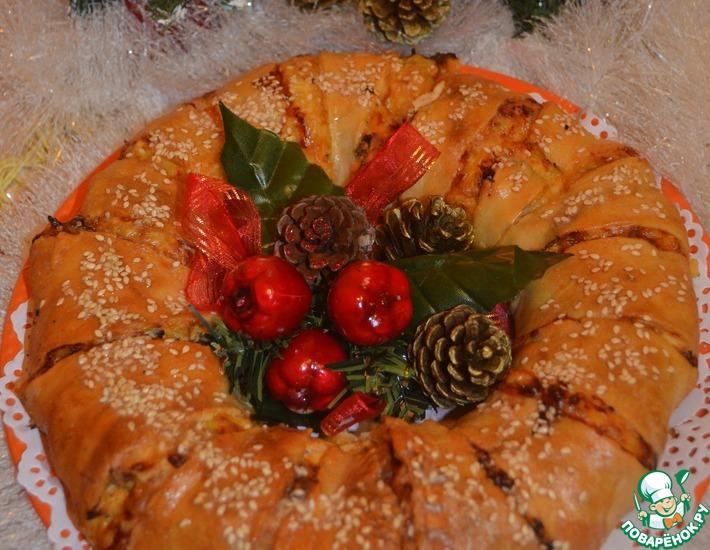 Рецепт: Пирог-венок из слоёного теста Куриный