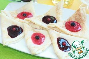 Рецепт Блинчики с ягодным соусом и сливочным сыром