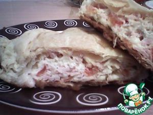 Рецепт Слойка с колбасой, помидором, сыром и чесноком
