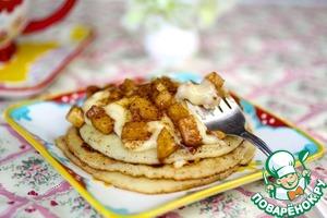 Рецепт Коричные блинчики с сливочной сырной глазурью и яблоками