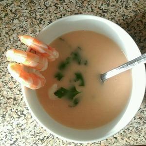 Рецепт Сырный крем-суп с креветками
