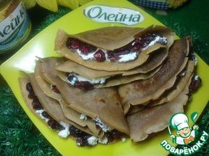 Рецепт Шоколадные блинчики с творогом и вяленой клюквой
