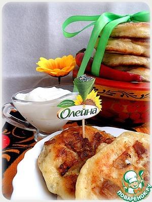 Рецепт Оладьи с беконом и хреново-сметанным соусом