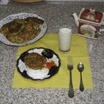 Оладьи из сельдерея, кабачков, феты и чечевицы