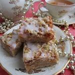 Персиковые пирожные